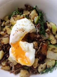 brekkie; bubble & squeak with poached egg